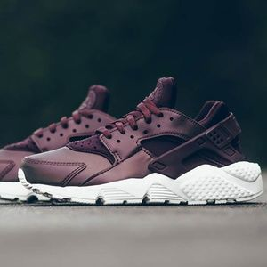 NIKE Huaraches Sneakers Metallic Brown Womens 6.5